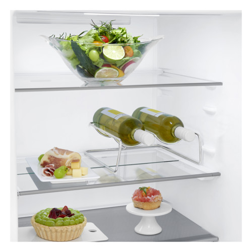 GBB71PZEFN_winerack_Food.jpg